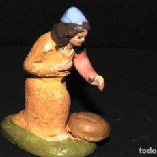 Figuras de Belén: FIGURA DE BELEN O PESSEBRE EN BARRO O TERRACOTA. Lote 107837515