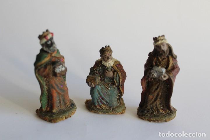 fabdf0ea294 REYES MAGOS FIGURA BELEN MINIATURA EN RESINA (Coleccionismo - Figuras de  Belén)