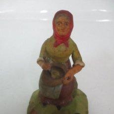 Figuras de Belén: FIGURA DE BELÉN - PASTORA - TERRACOTA POLICROMADA - 8 CM ALTURA - PRINCIPIOS S. XX. Lote 112991943