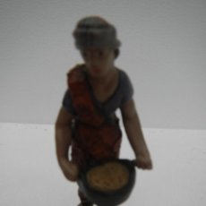 Figuras de Belén: PASTOR CON CALDERO BARRO COCIDO TERRACOTA - PASTA CERAMICA SERIE 10 CMS DE J. L. MAYO BELEN. Lote 119143931