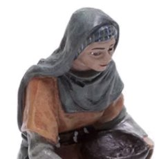 Figuras de Belén: FIGURA BELEN CAMPESINA AGACHADA SERIE 11 MAYO. Lote 122850911