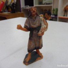 Figuras de Belén: FIGURA GOMA PVC ANTIGUO PASTOR ALDEANO CAMPESINO PESEBRE NACIMIENTO. Lote 131926114