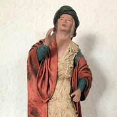Figuras de Belén: FIGURA DE BELEN NACIMIENTO EN TERRACOTA, 356 GR ALTURA 20,50 CM ANCHO 8,50 CM FONDO 5,50 CM. Lote 133845818