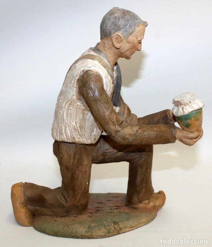 JOSEP MARIA BRULL PAGÈS (ASCÓ, 1907 - RIPOLLET, 1995) FIGURA DE BELEN EN TERRACOTA. PESEBRE (Coleccionismo - Figuras de Belén)