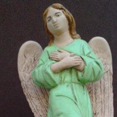 Figuras de Belén: ANGEL ARRODILLADO DE ESCAYOLA,PARA PORTAL BELÉN,NAVIDAD.. Lote 136847686