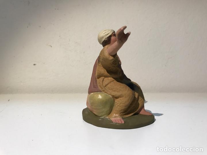 Figuras de Belén: Figura Belén terracota barro, hombre sentado. Primera mitad del siglo XX. Pintado a mano. - Foto 3 - 139399876