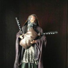 Figurines pour Crèches de Noël: FIGURA DE BELEN NACIMIENTO EL GAITERO TERRACOTA Y TELA ENCOLADA - ALTURA 20,5 CM. Lote 139703030