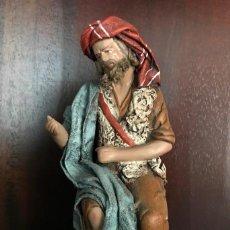 Figuras de Belén: FIGURA BELEN NACIMIENTO DECORARTE J. FERNANDEZ EL VENDEDOR DE PESCADO TERRACOTA TELA ENCOLADA. Lote 139714478