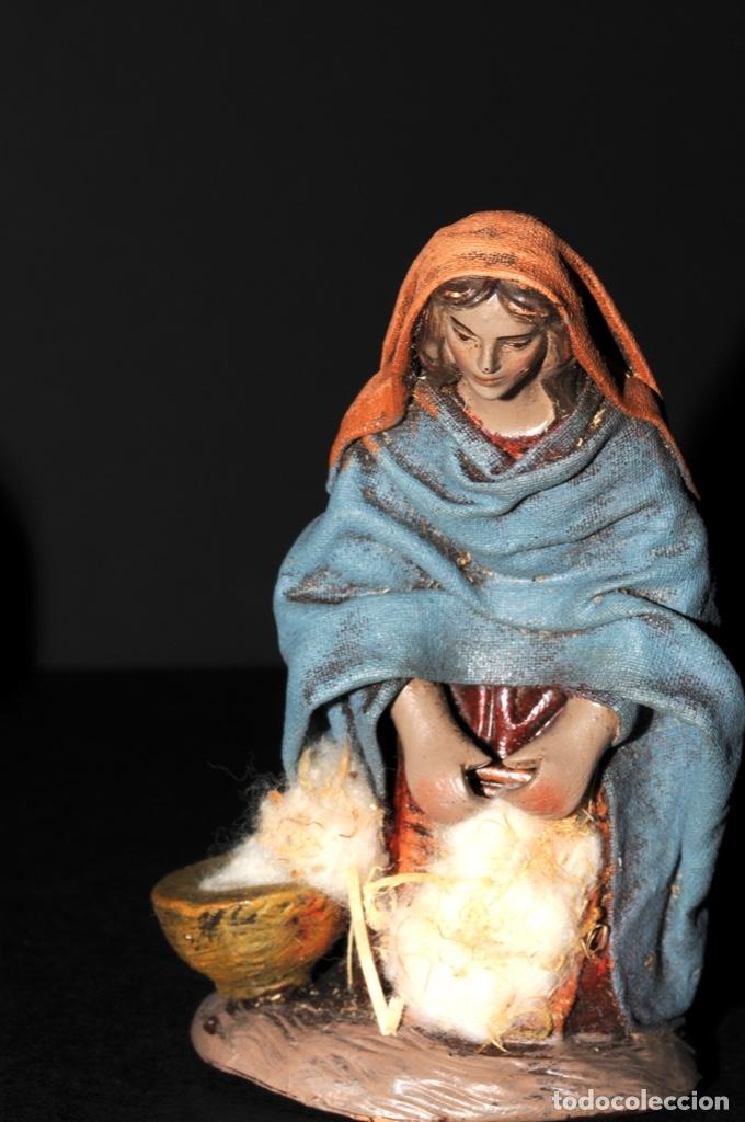 Figuras de Belén: FIGURAS DE BELEN O PESSEBRE EN BARRO O TERRACOTA - LAVANDERA E HILANDERA - Foto 5 - 140137246