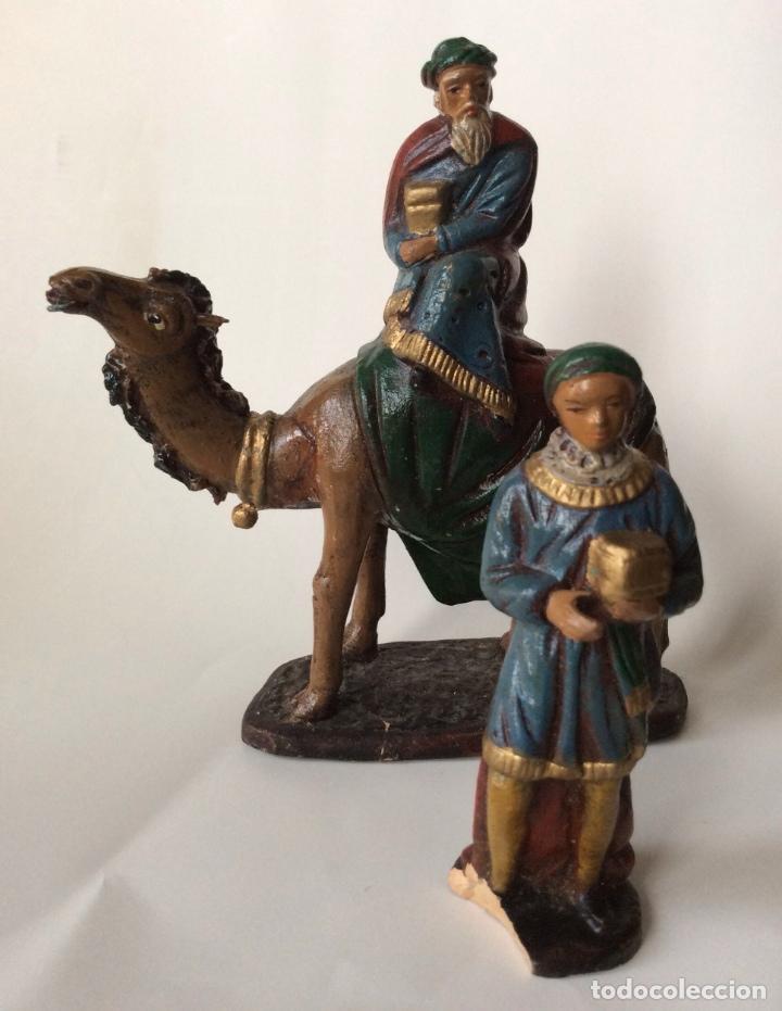 Figuras de Belén: ANTIGUO CONJUNTO DE REYES MAGOS - PAJES - VIRGÉN MARIA Y OTRA EN BARRO - SERRANO - - Foto 2 - 140729850