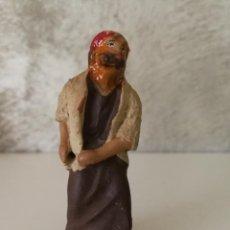 Figuras de Belén: ANTIGUA FIGURA BELÉN BARRO TERRACOTA HOMBRE TIRANDO DE BURRO. Lote 140788562
