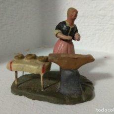 Figuras de Belén: FIGURA BELEN PESEBRE NACIMIENTO BARRO TERRACOTA MUY ANTIGUOS CACHACHERRIA MURCIANA. Lote 140881490