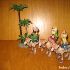 Figuras de Belén: ANTIGUAS FIGURAS DE BELEN EN PLASTICO. REYES MAGOS. Lote 142211678