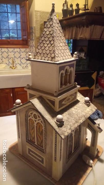 Figuras de Belén: Antigua iglesia de madera con Belén en su interior farbricada a mano años 60-70 - Foto 9 - 142212050