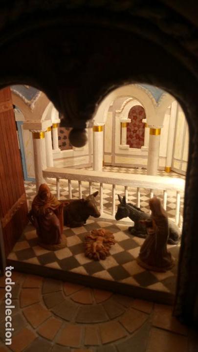 Figuras de Belén: Antigua iglesia de madera con Belén en su interior farbricada a mano años 60-70 - Foto 12 - 142212050