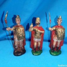 Figuras de Belén: SET DE ANTIGUAS FIGURAS EN PLÁSTICO PARA BELÉN HERODES CON SOLDADOS ROMANOS. DESCONOZCO FABRICANTE. Lote 142593609