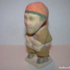 Figuras de Belén: ANTIGUO Y RARO... CAGANE - CAGON - CAGANER.DE ESTUCO ROSA FLOCADO.. Lote 142855342