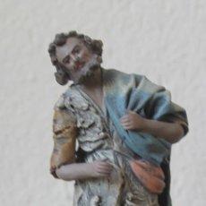 Figuras de Belén: FIGURA BELEN NACIMIENTO PASTOR TERRACOTA Y TELA ENCOLADA 217 GR ALTURA 16 CM BASE 6,5 CM X 4,5 CM. Lote 143048518