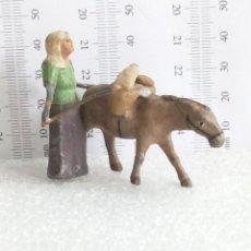 Figuras de Belén: ANTIGUA FIGURA DE BELEN EN PLOMO AÑOS 40-50 MUJER CON BURRO MINIATURA. Lote 143686854