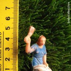 Figurines pour Crèches de Noël: HAGA SU OFERTA X LOTES - ANTIGUA FIGURA DE PORTAL DE BELEN PECH O SIMILAR - MEDIDA EN FOTO. Lote 143881550
