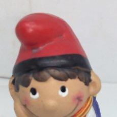 Figuras de Belén: CAGANER FIGURA BARRO PINTADA A MANO. Lote 144886570