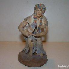 Figuras de Belén: MUY ANTIGUA Y BONITA FIGURA DE TERRACOTA.. Lote 145488194