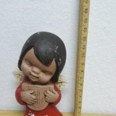 Figuras de Belén: FIGURA ANGEL PESSEBRE DEL AÑO 1973. Lote 147054746