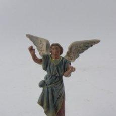 Figuras de Belén: FIGURA DE BELEN DE BARRO, ANGEL, ORTIGAS, MIDE 11 CMS. DE ALTURA,. Lote 155750362