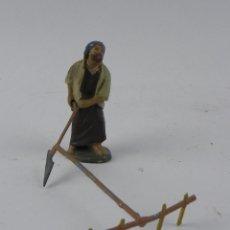 Figuras de Belén: FIGURA DE BELEN DE BARRO, ORTIGAS, MIDE 7 CMS. DE ALTURA, . Lote 155754662