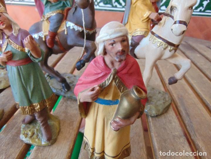 Figuras de Belén: FIGURA DE BELEN EN ESTUCO POLICROMADO OLOT ?? LOS TRES REYES MAGOS Y SUS PAJES - Foto 3 - 159691522