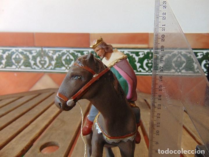Figuras de Belén: FIGURA DE BELEN EN ESTUCO POLICROMADO OLOT ?? LOS TRES REYES MAGOS Y SUS PAJES - Foto 21 - 159691522