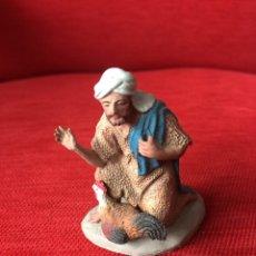 Figuras de Belén: FIGURA CASTELLS BELÉN PASTOR ADORANDO. Lote 161093634