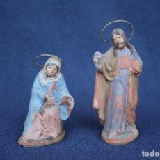 Figuras de Belén: ANTIGUO CONJUNTO DE 2 FIGURAS, LA VIRGEN Y SAN JOSE. PESEBRE, BELEN .TERRACOTA O BARRO. Lote 163401038