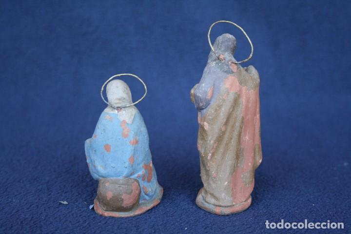 Figuras de Belén: ANTIGUO CONJUNTO DE 2 FIGURAS, LA VIRGEN Y SAN JOSE. PESEBRE, BELEN .TERRACOTA O BARRO - Foto 2 - 163401038