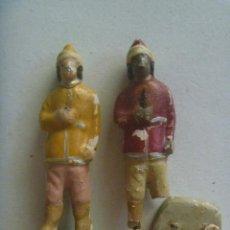 Figuras de Belén: LOTE DE 2 FIGURAS MUY ANTIGUA DEL PORTAL DE BELEN : PAJES DE REYES MAGOS . TERRACOTA. Lote 228183892