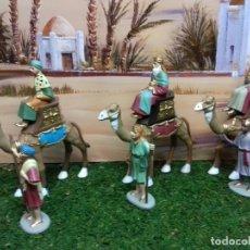 Figuras de Belén: REYES MAGOS EN CAMELLO Y PAJES 8CM. FIGURAS BELEN. Lote 165605754