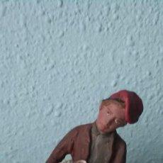 Figuras de Belén: PASTOR CON OVEJA, TERRACOTA. Lote 165711686