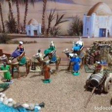 Figuras de Belén: CONJUNTO REYES MAGOS EN CAMELLO CON PAJES. FIGURAS BELEN. Lote 166010158