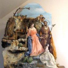 Figuras de Belén: NACIMIENTO NAPOLITANO FIGURAS DE BELÉN EN DIORAMA. Lote 167441340