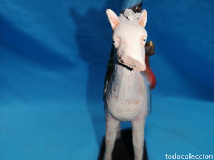 Figuras de Belén: Figuras de belén, 3 reyes a caballo con un paje, en barro murciano terracota, de serrano, 13 cm alto - Foto 18 - 168948686