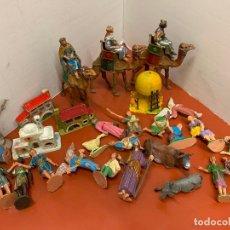 Figuras de Belén: GRAN LOTE DE FIGURAS ANTIGUAS DE PESEBRE, TODAS LAS DE LA FOTO. PRECIOSOS REYES MAGOS Y CAMELLOS. Lote 175225932