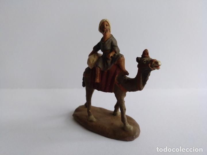 Figuras de Belén: Belén/Nacimiento/Pesebre. Pastor en camello. Cataluña. Barro. - Foto 2 - 175323145