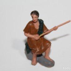 Figuras de Belén: ANTIGUAS FIGURA DE BELEN PASTORCITO PESCANDO - DESCONOZCO SU FABRICANTE - AÑOS 60 - PEDIDO MINIMO 5€. Lote 176774644