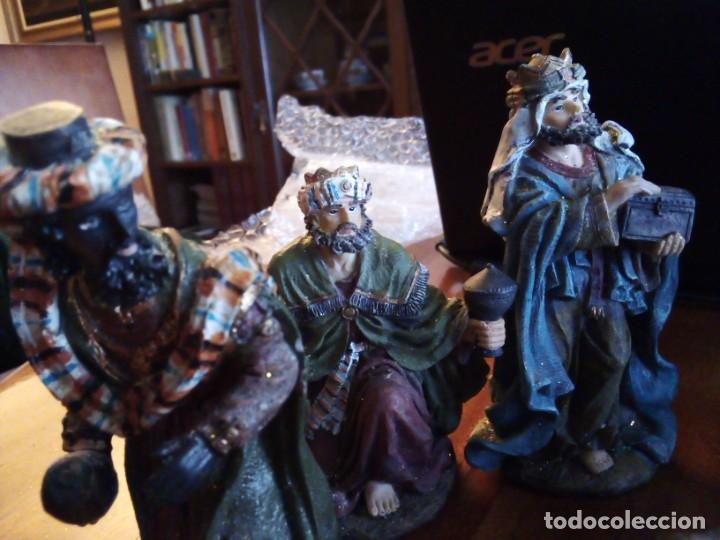 Figuras de Belén: Reyes Magos, San José, La Virgen, Niño Jesús en pesebre, Arcangel, Mula y Buey. TERRACOTA O RESINA - Foto 5 - 177713812