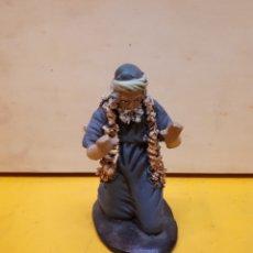 Figurines pour Crèches de Noël: FIGURA PASTOR ARRODILLADO PESEBRE, BELÉN, BARRO O TERRACOTA.. Lote 182964695