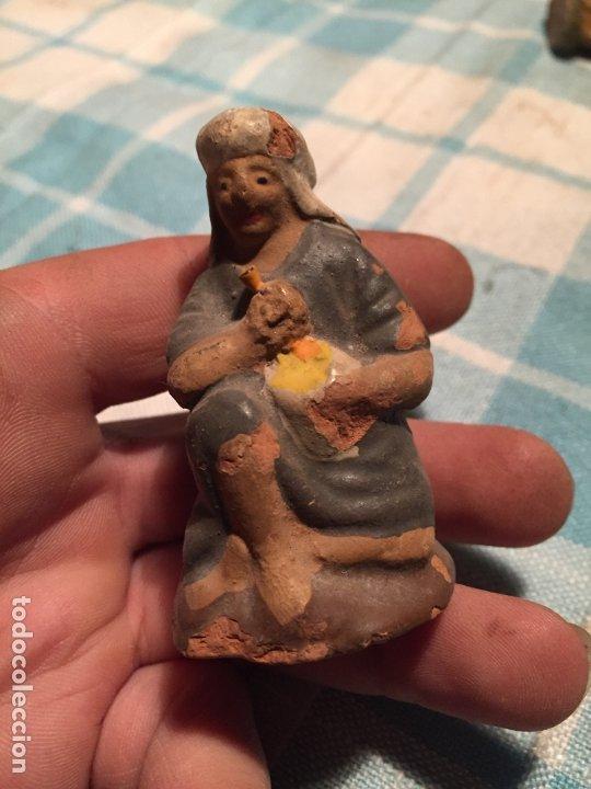 Figuras de Belén: Antiguas 2 figura / figuras de Belén de Pastores al lado de la Hoguera de barro años 40-50 - Foto 6 - 183291592