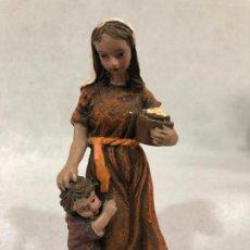 Figuras de Belén: FIGURA DE CAMPESINA CON NIÑO. Lote 184100048