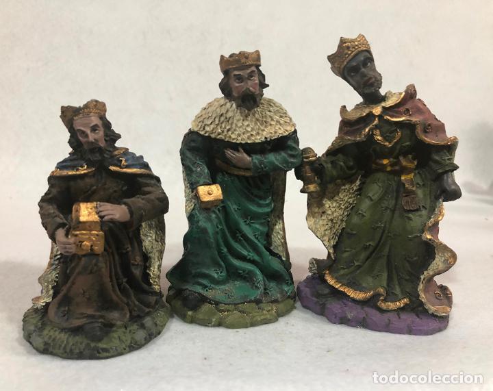 FIGURA REYES MAGOS ADORANDO (Coleccionismo - Figuras de Belén)
