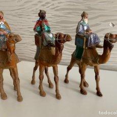 Figuras de Belén: REYES MAGOS. GRAN TAMAÑO. ( 15 CM ) PLÁSTICO. Lote 184775602