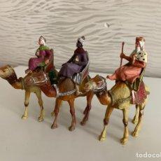 Figuras de Belén: REYES MAGOS. GRANDES. ( 13 CM ). PLÁSTICO. Lote 184775728